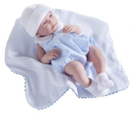 Berenguer újszülött élethű fiú játékbaba kék pöttyös ruhában takaróval 43cm
