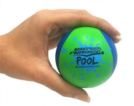 Vízen pattogó labda 6cm többféle