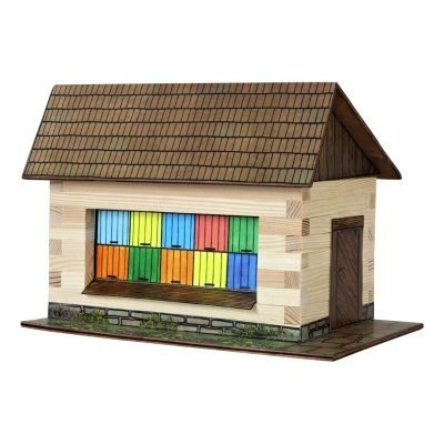 Faház építő játékok- Faház méhészeti fallal